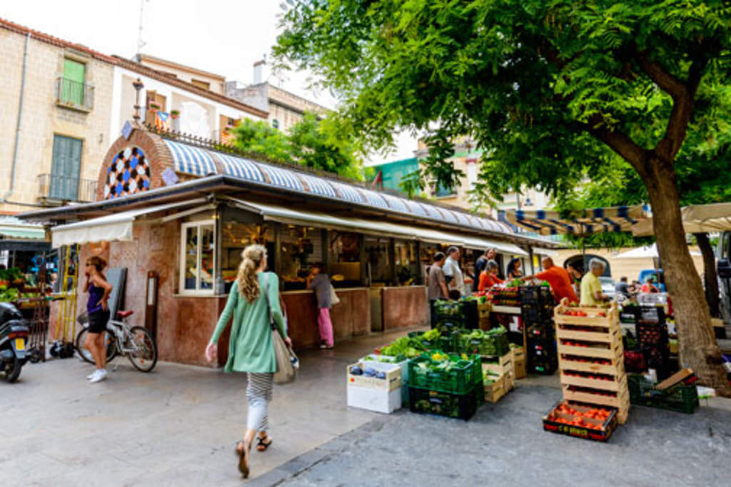 Mataro is a great city for shopping and walking around