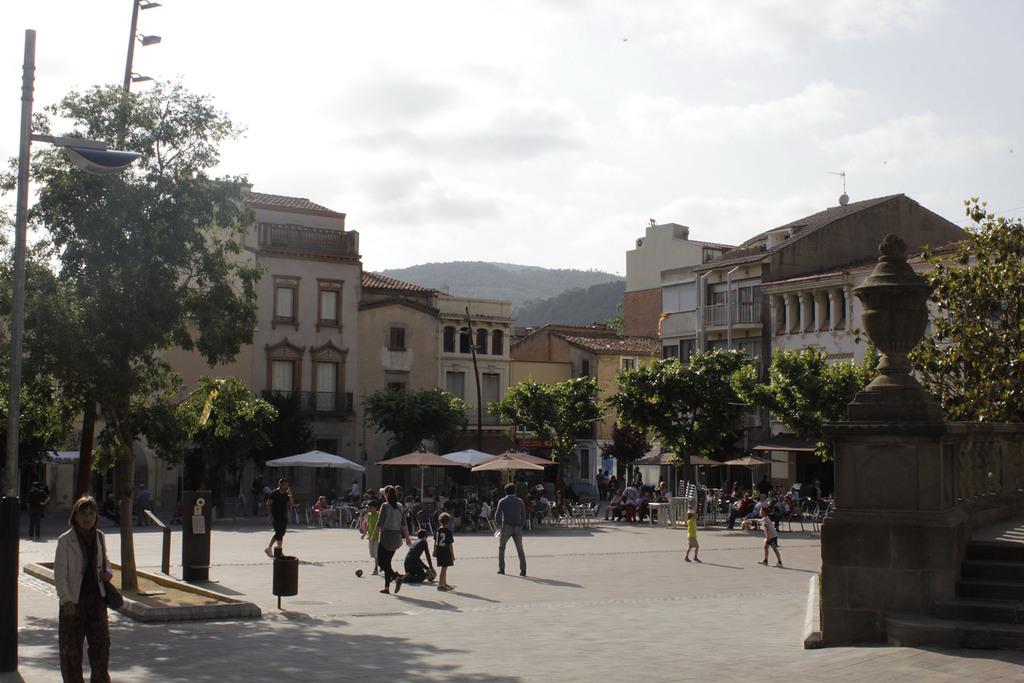 La Garriga.  Plaça de l'Esglesia.