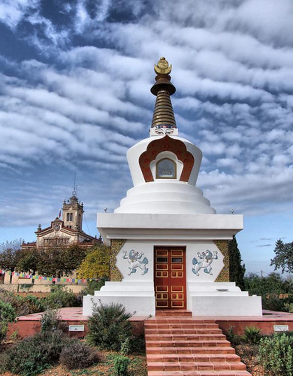Parc Natural del Garraf (monestir budista Sakya Tashi Ling)