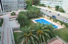 Swimming pool and private area of the appartments