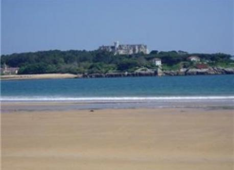 playa de Somo frente al Palacio de la Magdalena