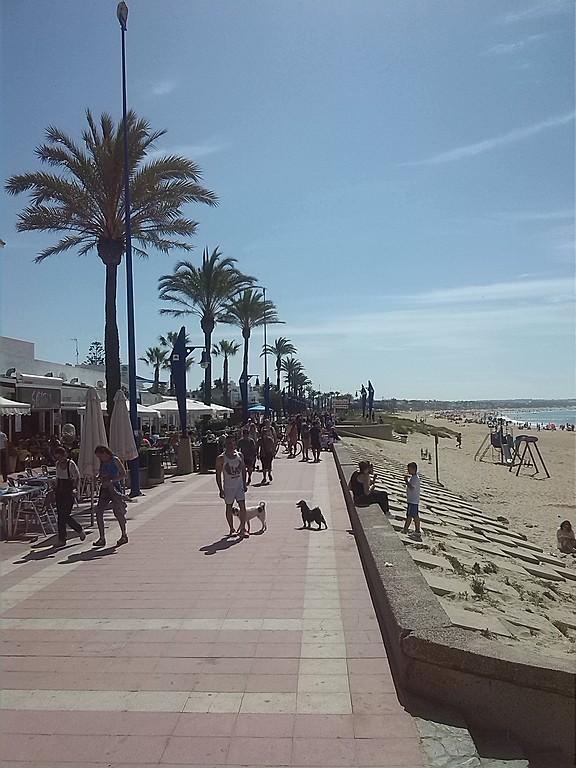 La Barrosa beach promenade