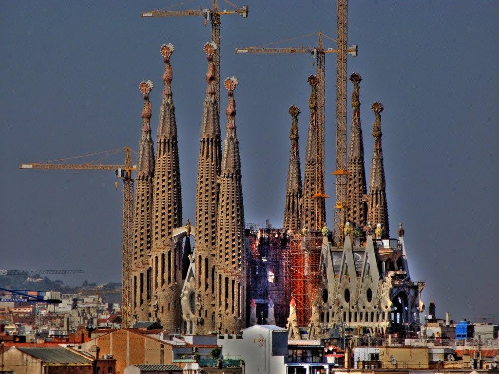 Barcelona 1'5 hours.