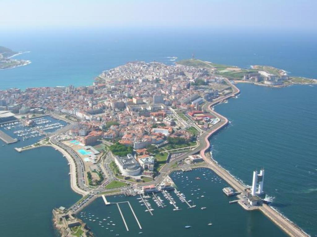 A Coruña a 40 km.