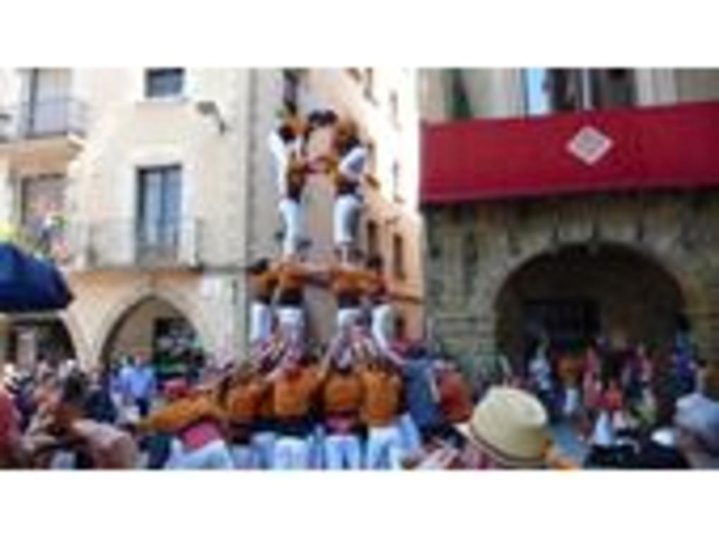"""Castells"":  one of the most original traditions of the catalan folklore"