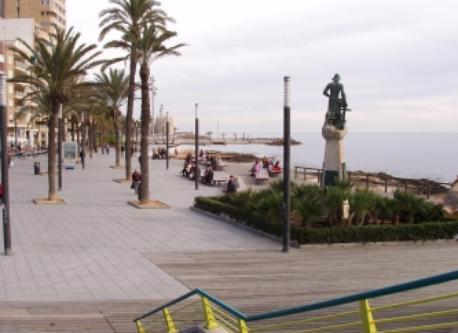 Paseo marítimo de Torrevija