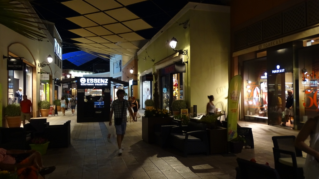 A very  big shopping center for shopping, eating ads spending your free time. It has wifi free