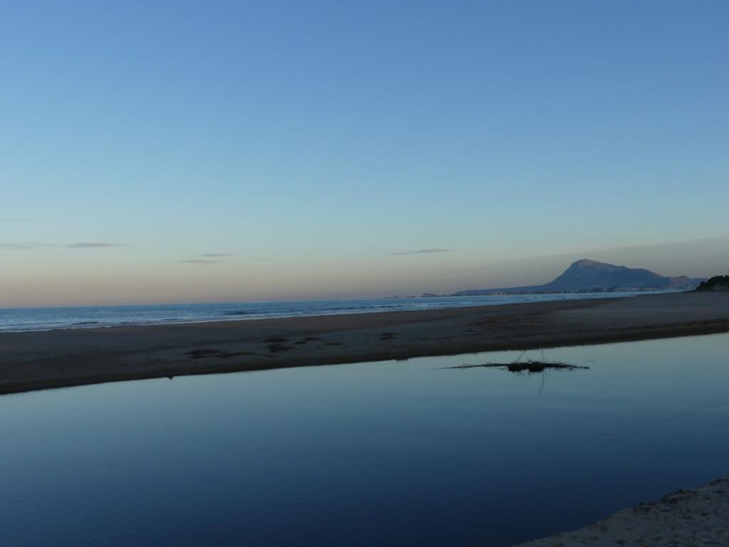 Playa de Les Deveses, Oliva