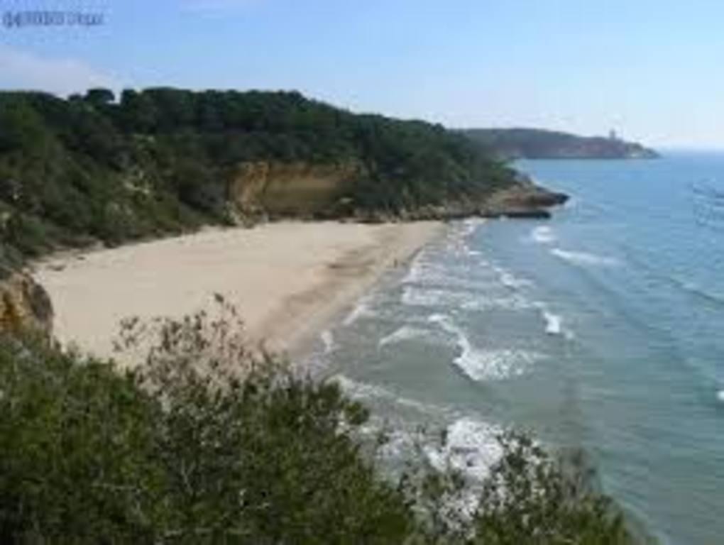 Punta de la Mora Beach (30 minutes)