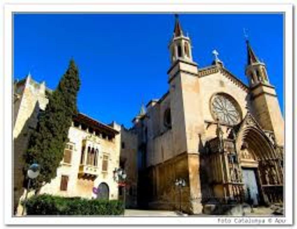 Basilica de Santa Maria in VIlafranca del Penedès (5 minutes)