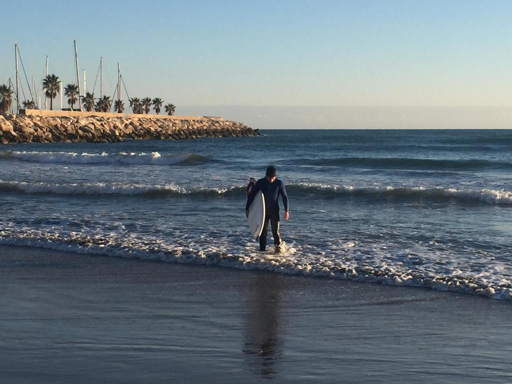 Surf in Sitges (15 minutes)