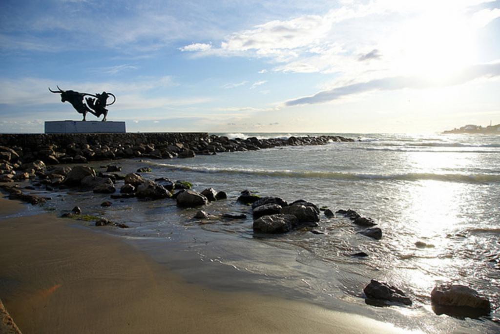 Vilanova Beach (15 minutes)