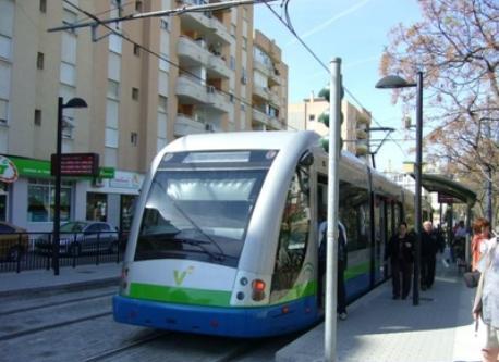 Hay muchos y buenos medios de transporte para ir a cualquier punto de los alrededores.