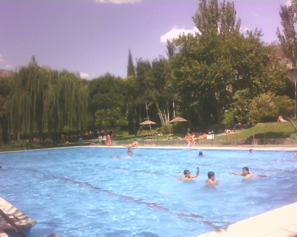 swwiming pool