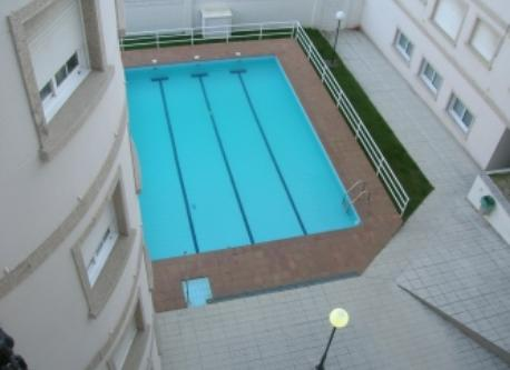 Piscina, swimming pool.
