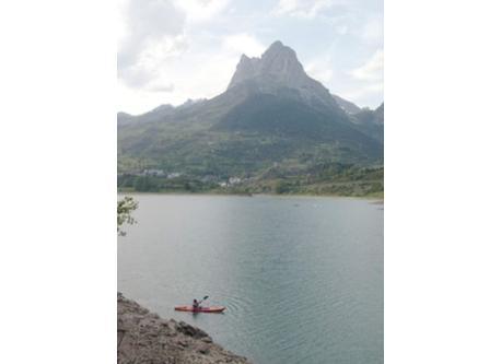 Actividades acuáticas en el pantano de Lanuza