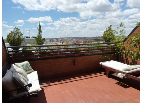 Terrace with unobstructed views of the city and privacy