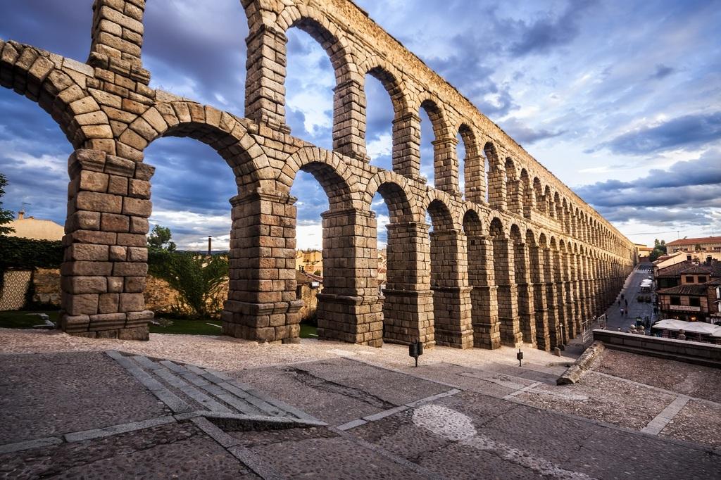 SEGOVIA - Roman aqueduct