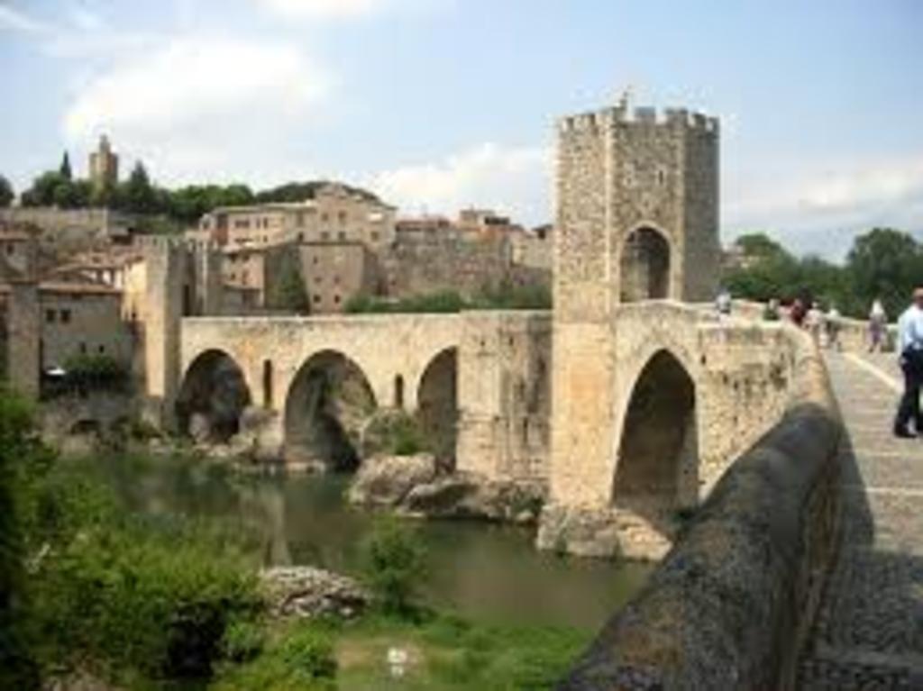 Besalú. Medieval town.