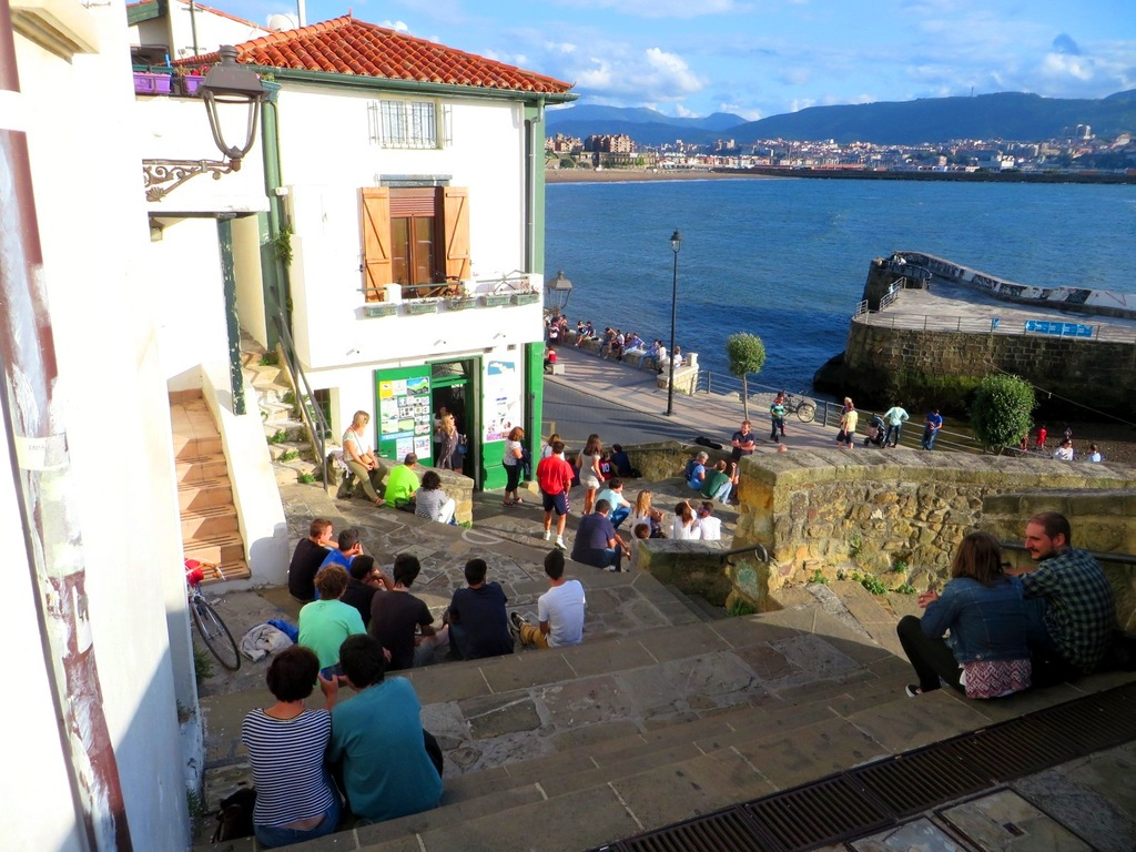 Old Port of Getxo. Just 15km from our house. Good place to eat some diferents pintxos :)