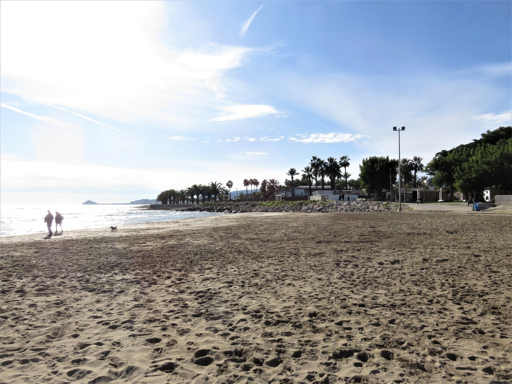 Playa Morrongo by Benicarló port with beachside bars and restaurants