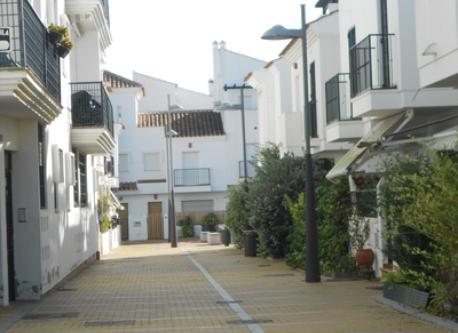 Calle/Street: en el Pueblo Andaluz Neighbourhood (Punta Umbría, Huelva)