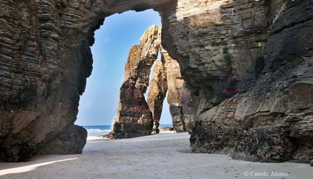 Praia das Catedrais ( 2 HRS )