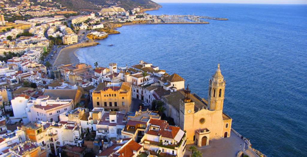Sitges, Platja de Sant Sebastià.
