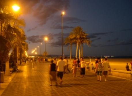 Malvarrosa beach (Valencia) at night
