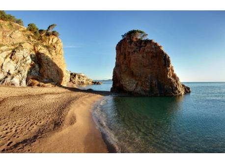Cala de l'Illa Roja, Begur (45 km)