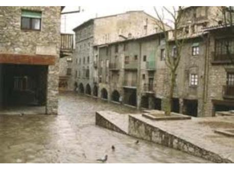 Medieval center 500 meters from home