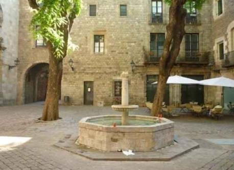 Sant Felip Nerit, one of our favorites places in Barri Gòtic