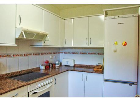 Kitchen 2 / Cocina 2