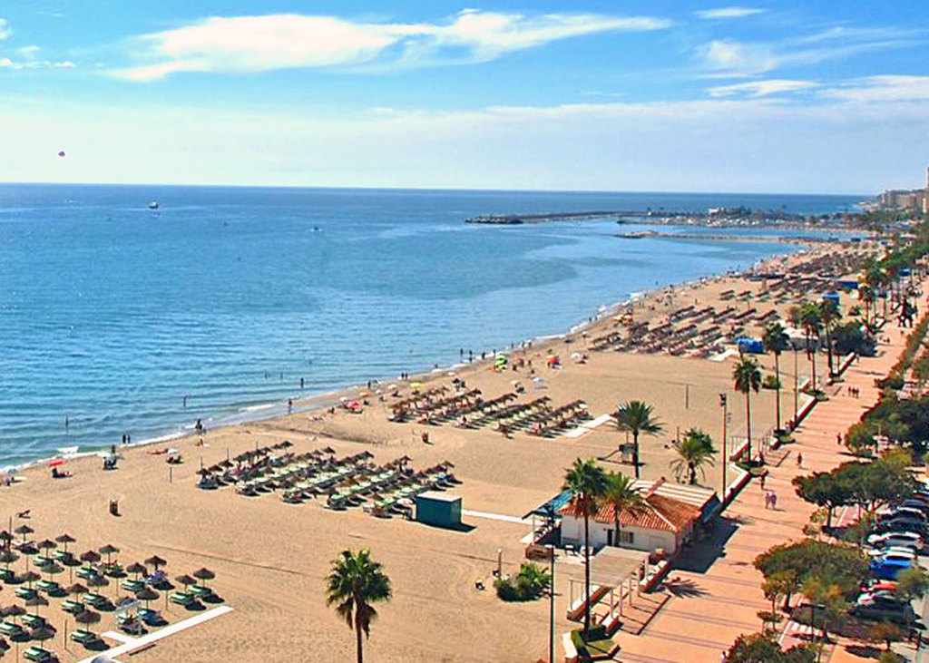 Fuengirola has the longest beach on Costa del Sol