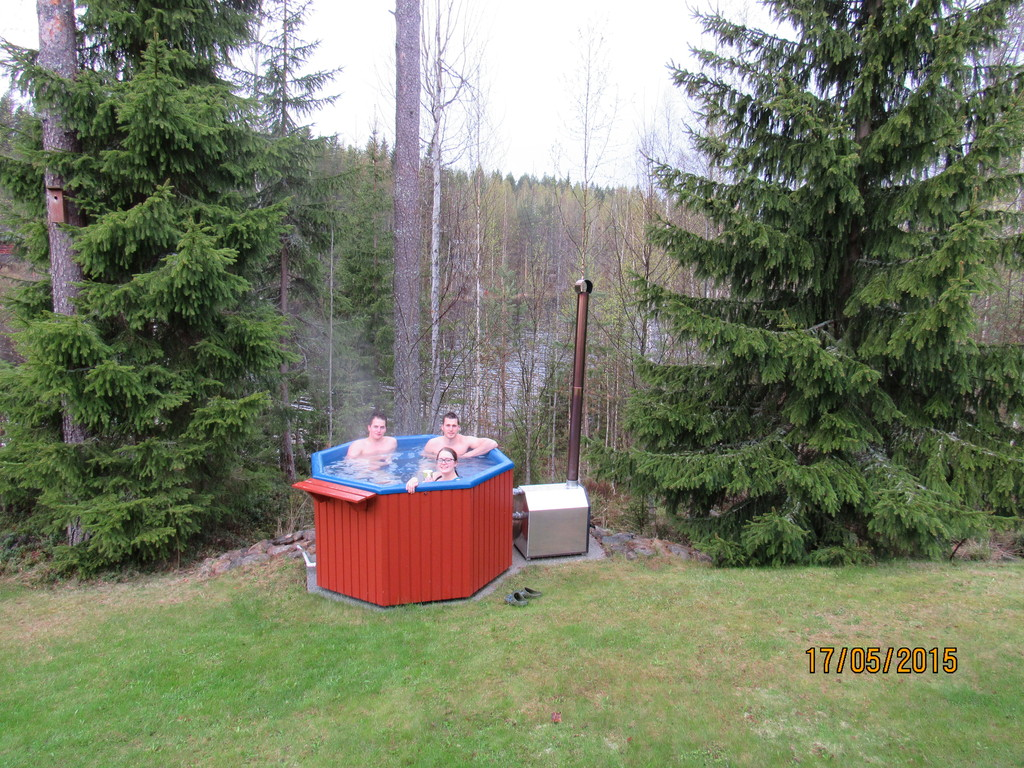 Hot tub in early spring