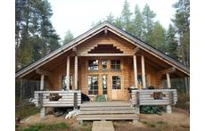 The log cabin/summer home in summer 2014. Sauna and summer bedroom buildings are built the same way.