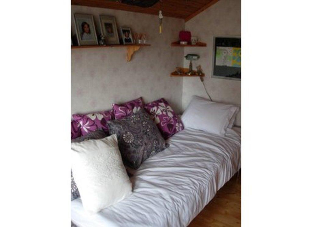 Upstairs bedroom 1