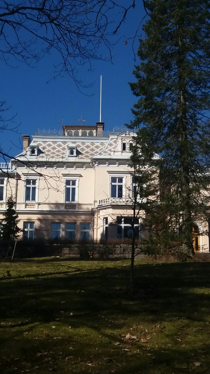 a manor house in Littoinen village