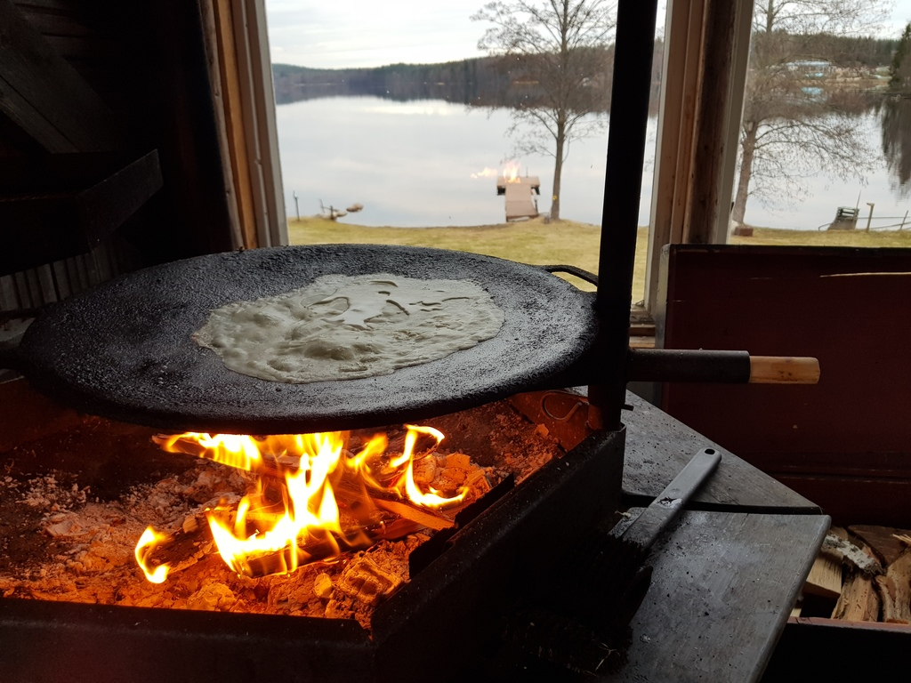 cooking in the summerkitchen