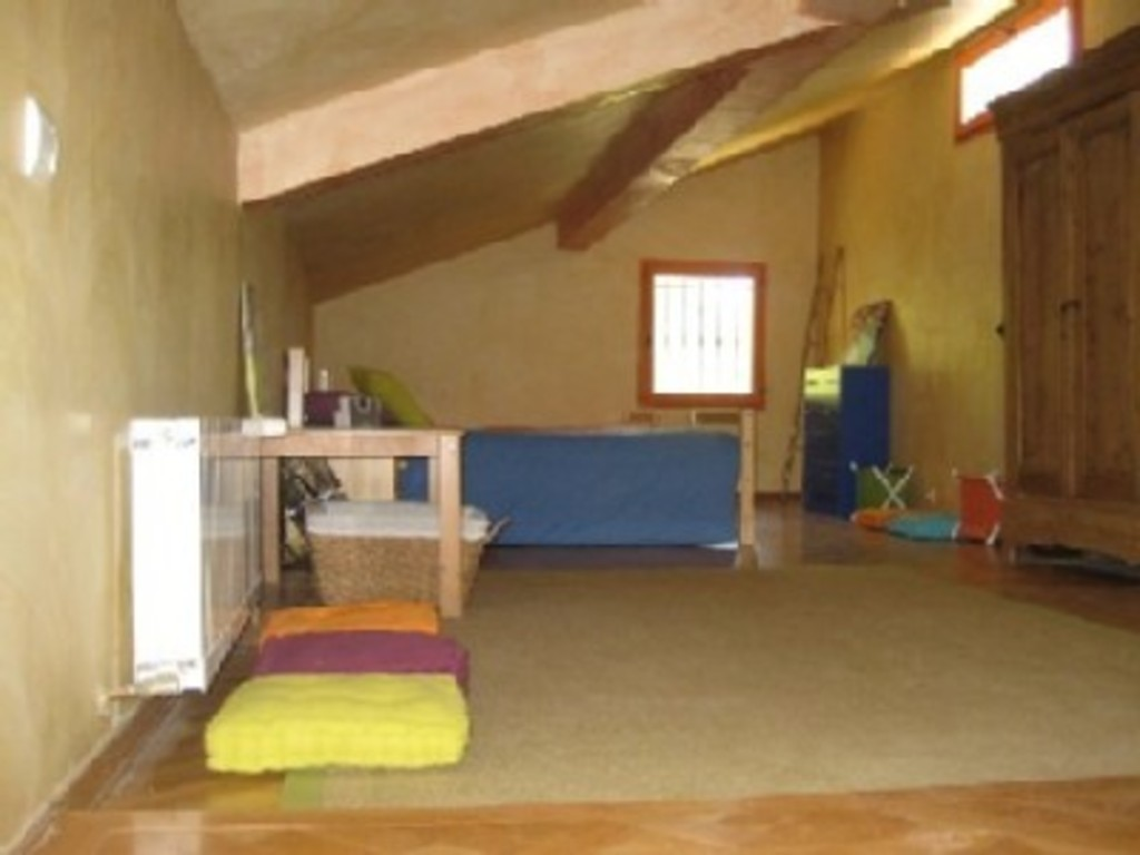 kids bedroom upstairs under roof