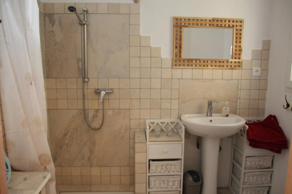 Duschbad der unteren Wohnung