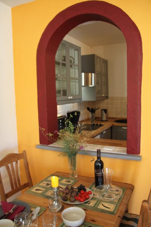 Blick in die Küche der unteren Wohnung
