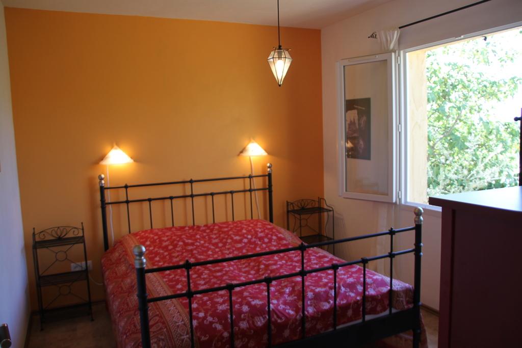 Schlafzimmer der unteren Wohnung