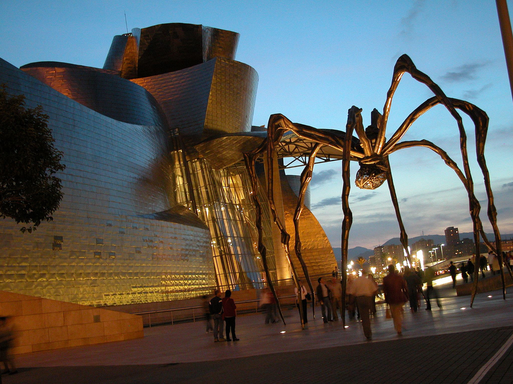 Museo Guggenheim Bilbao a 95 Km.