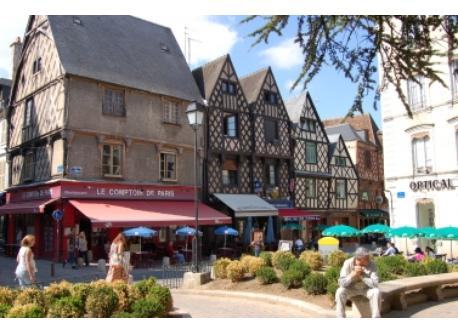 at  20 km from home, Bourges is a splendid city of 135 000 inhabitants with a Cathedral (on the UNESCO world list), the Jacqu...