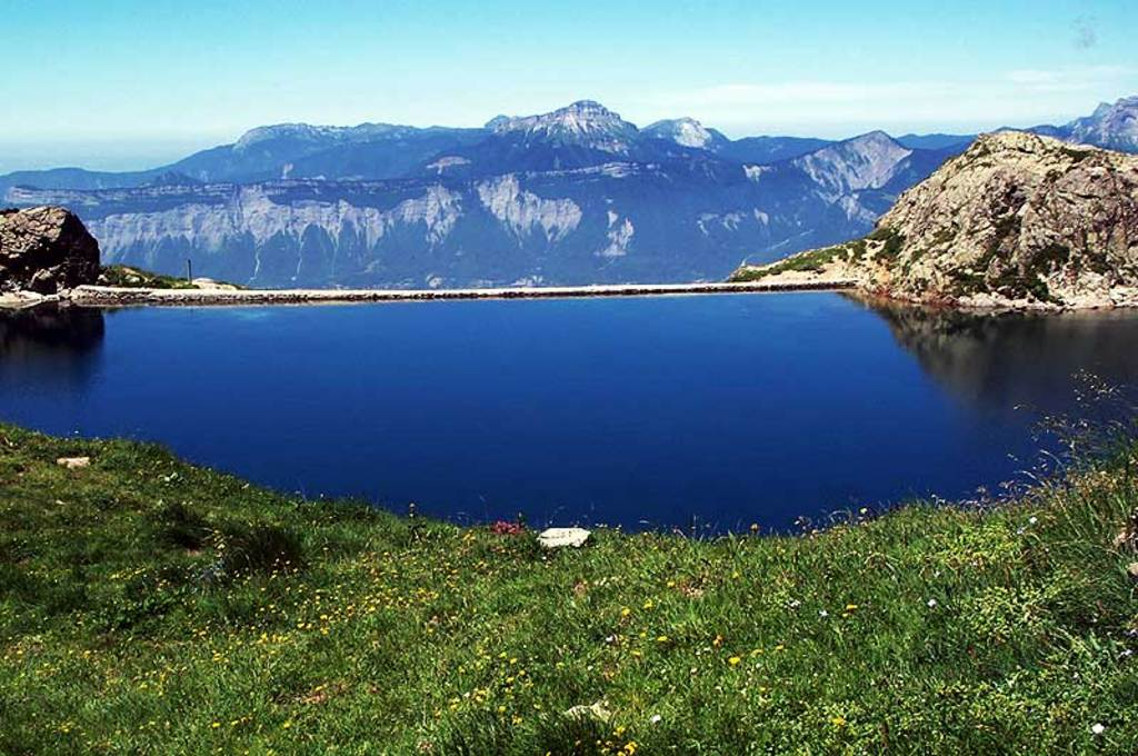 le lac du Crozet. about 90mn by walking from Freydières.