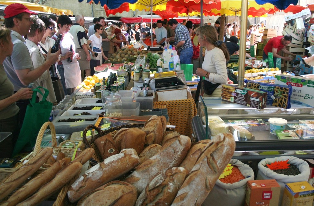 Marché fermier d'Uzès. Farmer market in Uzes (30 km from Nimes)