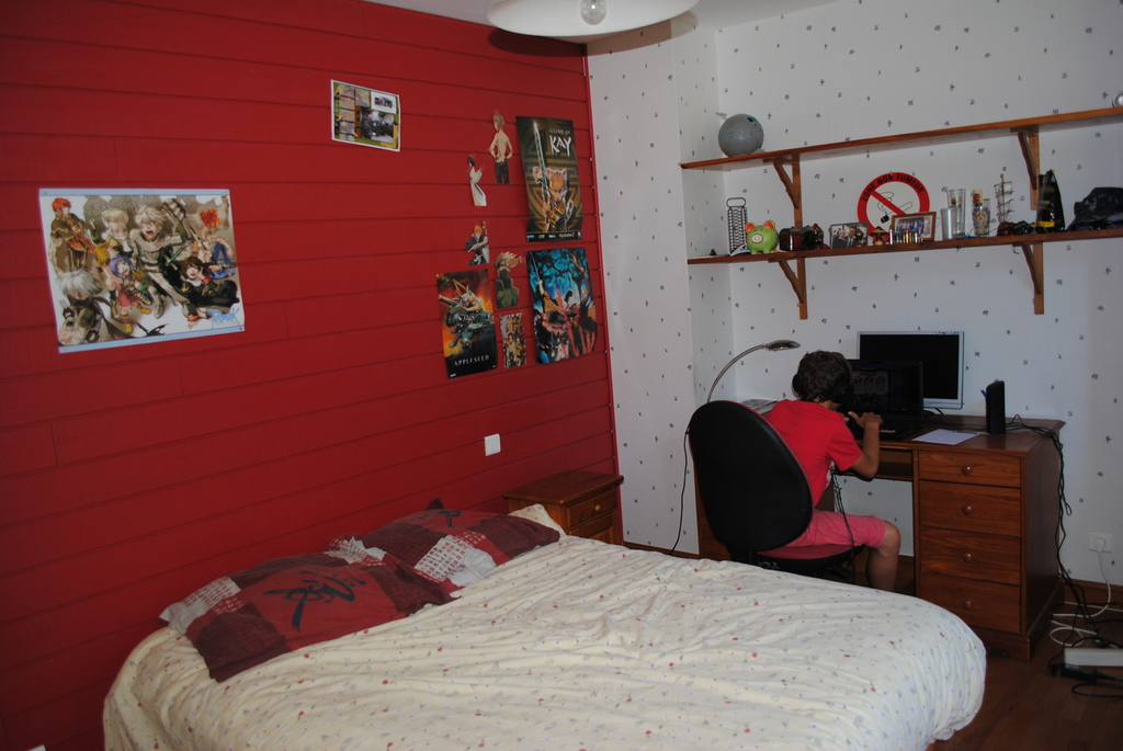 one of the  5 boys bedroom