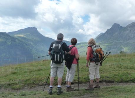 hiking in the Aravis