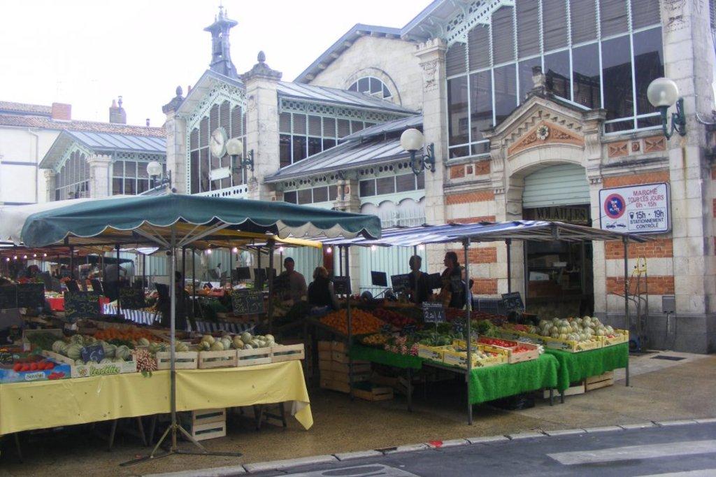 Daily market La Rochelle